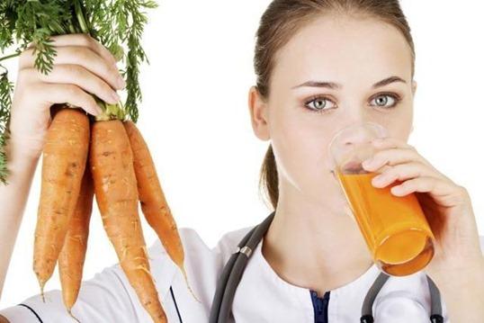 Свежевыжатый морковный сок: один из самых полезных
