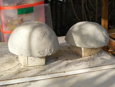 Скульптурки божьих коровок своими руками