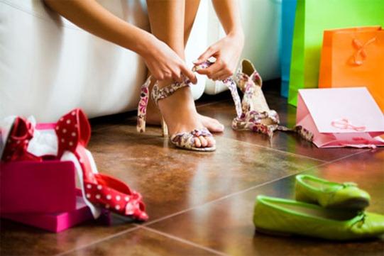 Как правильно разносить туфли?
