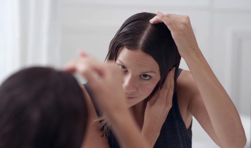 Болячки на голове в волосах: причины, лечение