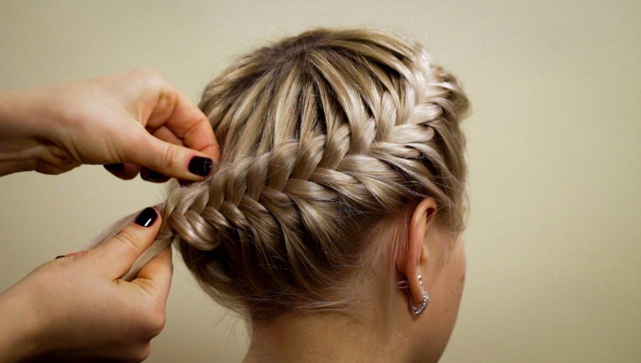 Плетение косы на волосах