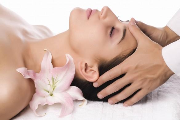 Проведение массажа головы