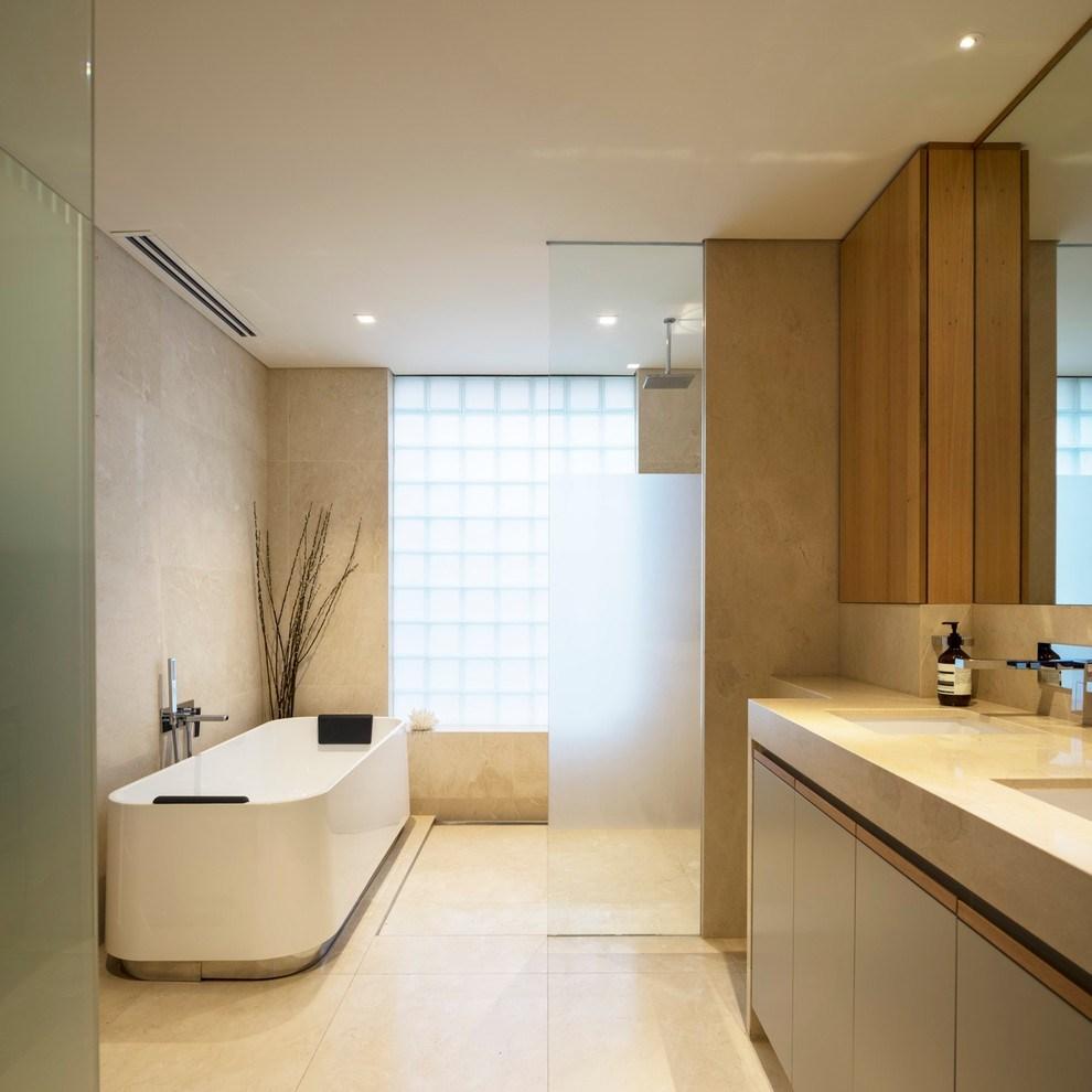 Стильная ванная комната в бежевых тонах
