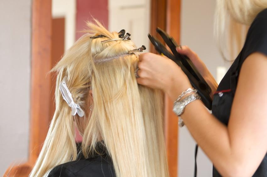 Стрижка волос в салоне