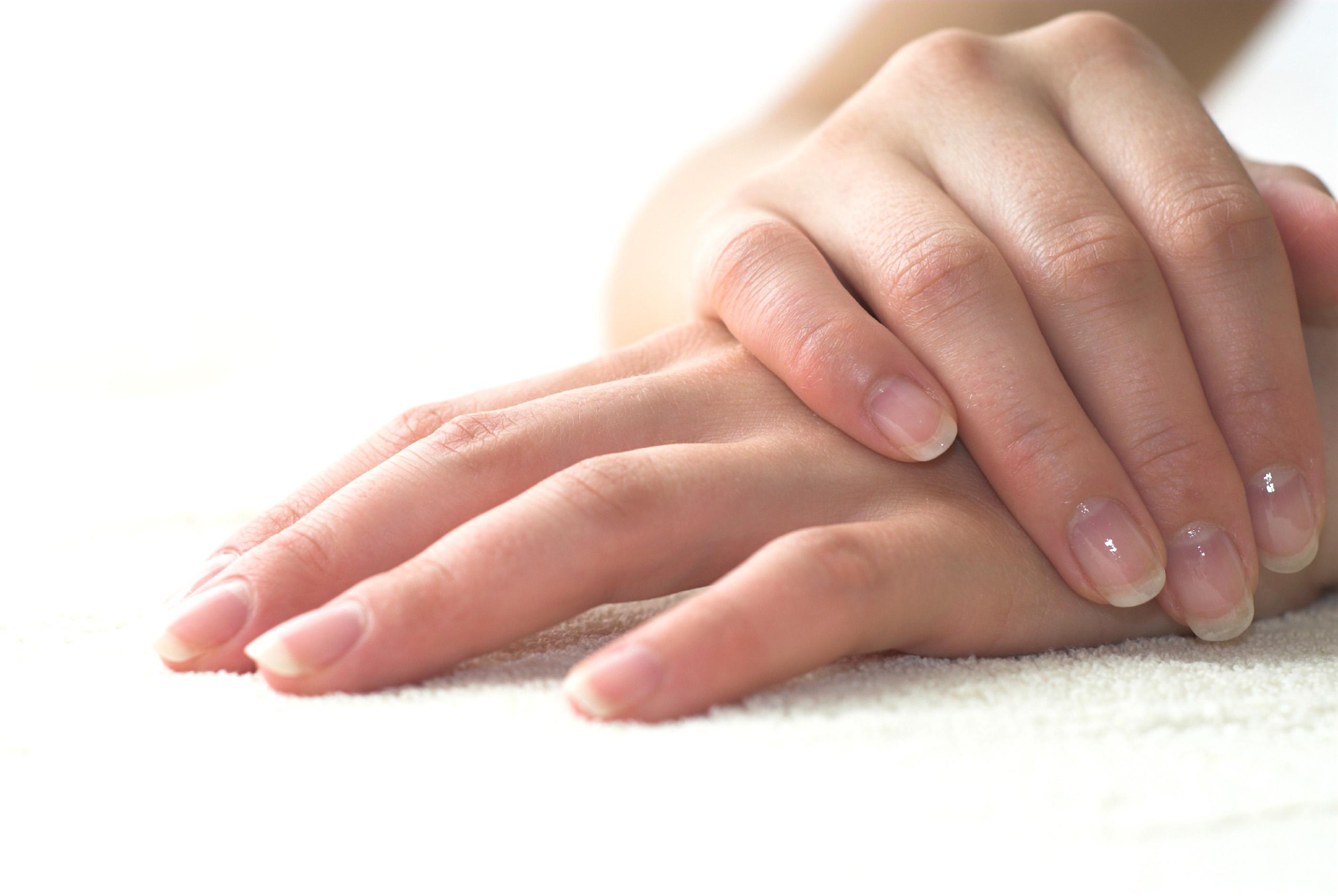 Сильное шелушение кожи рук