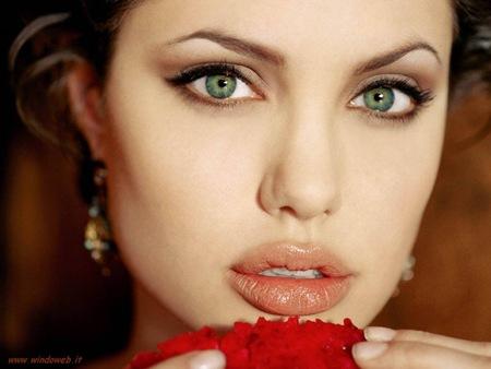 Макияж Анджелины Джоли