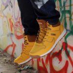 Желтая обувь