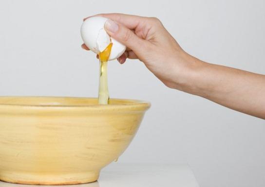 маска для лица яичный белок