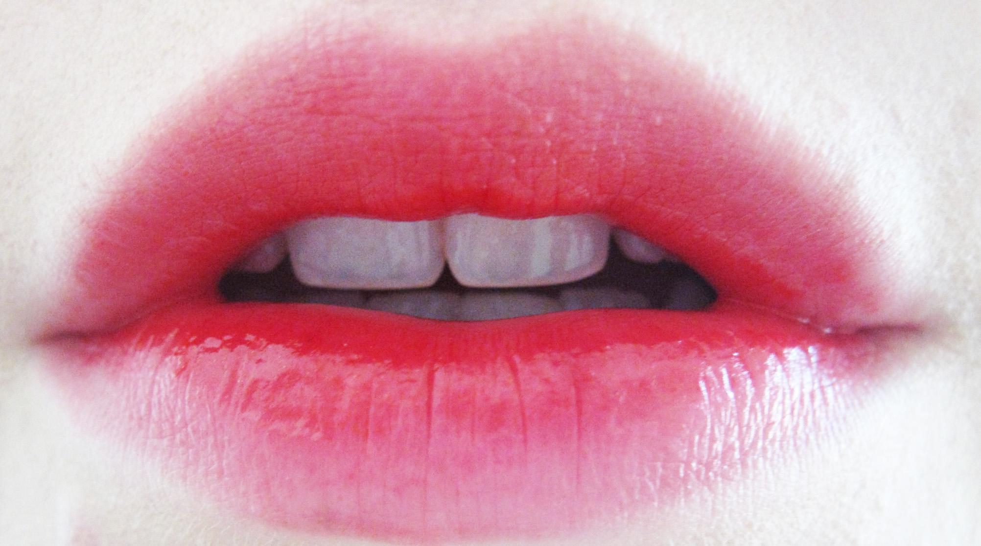 У меня красные губы как сделать их бледнее