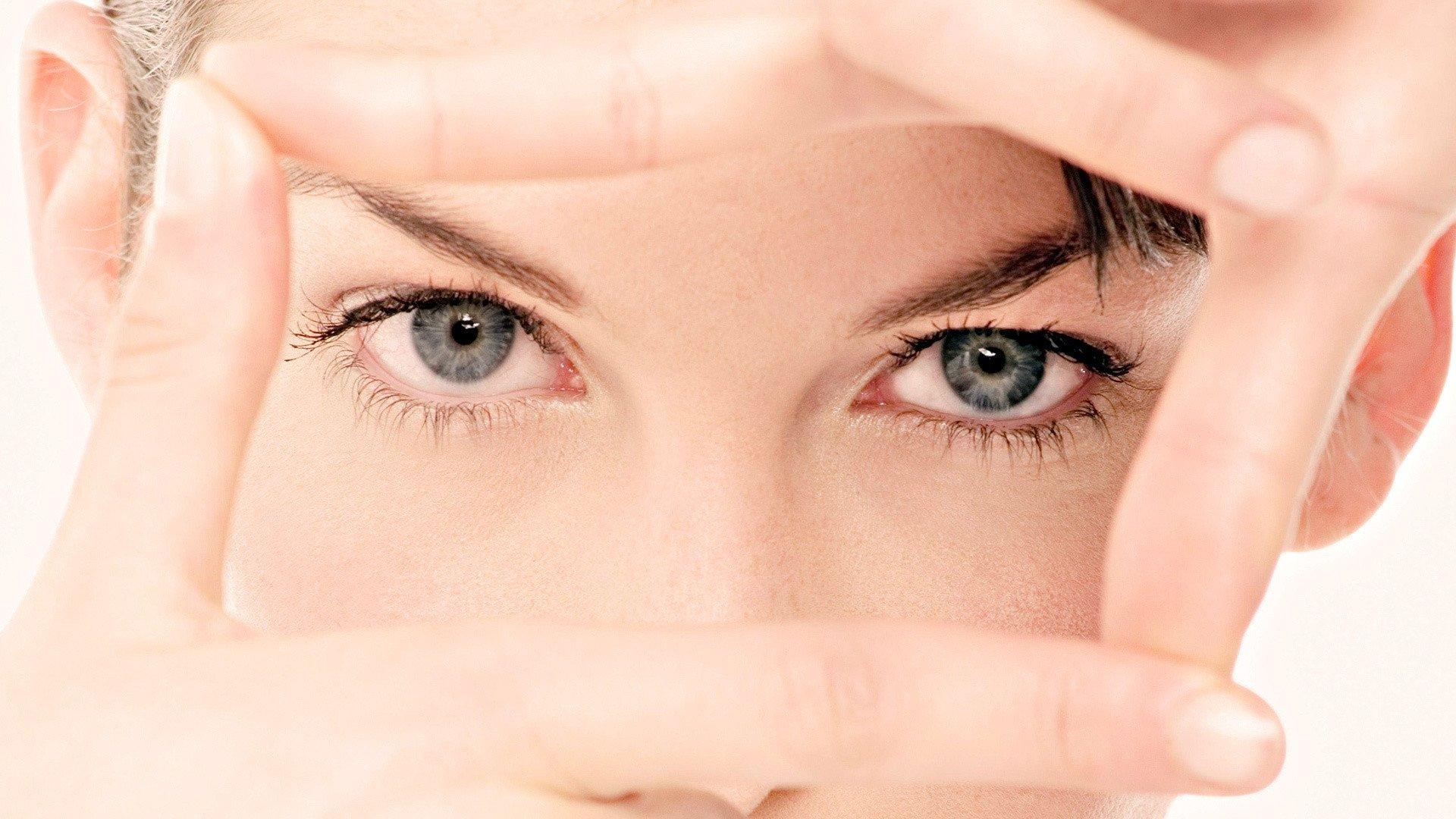 Избавиться от покраснения глаз в домашних условиях