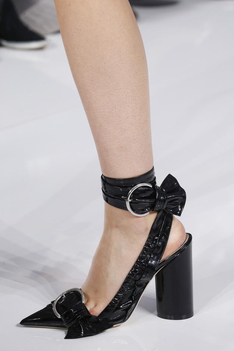 Черные туфли опять в моде