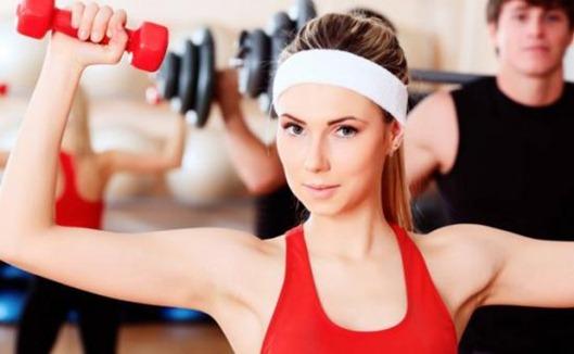Упражнения с гантелями для девушек - лучшее средство для идеальной фигуры